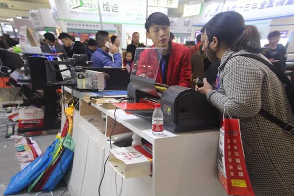 展会报道 2019郑州春季中原广告展,奥德利新款设备独领风骚